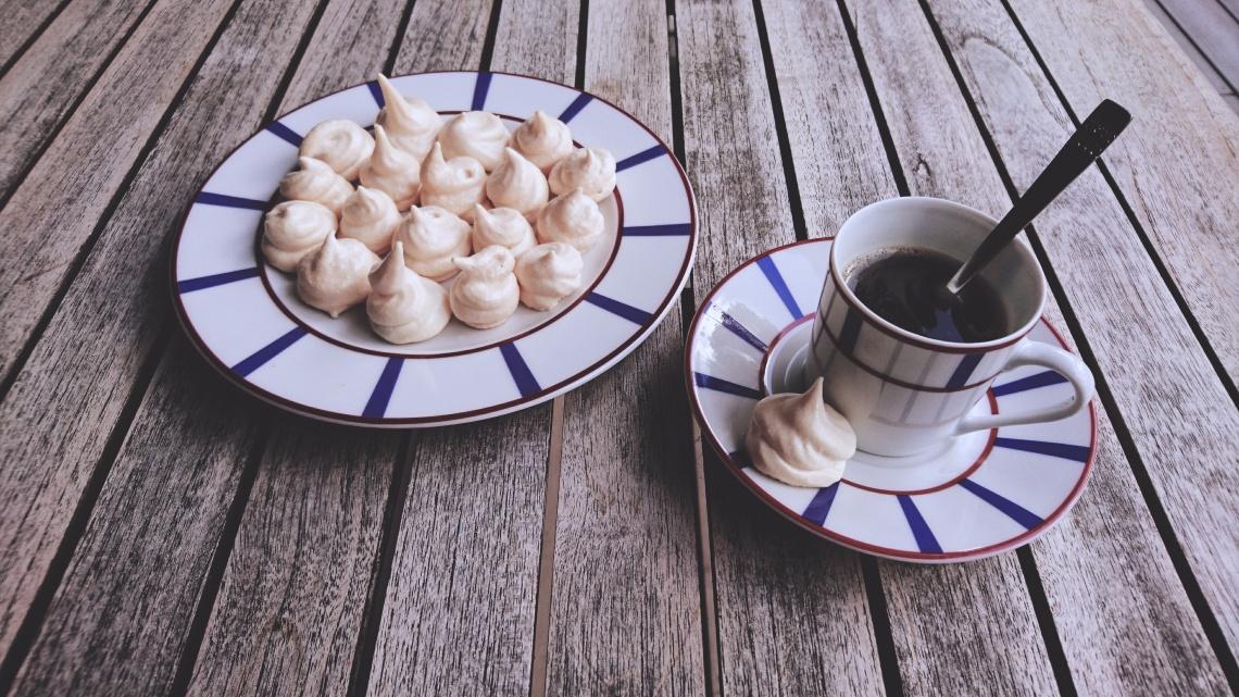 café meringues vieilli