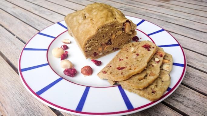 cake amandes, macadamia, noisettes, cranberries.JPG