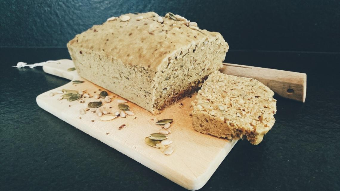 pain sucré aux graines.jpg