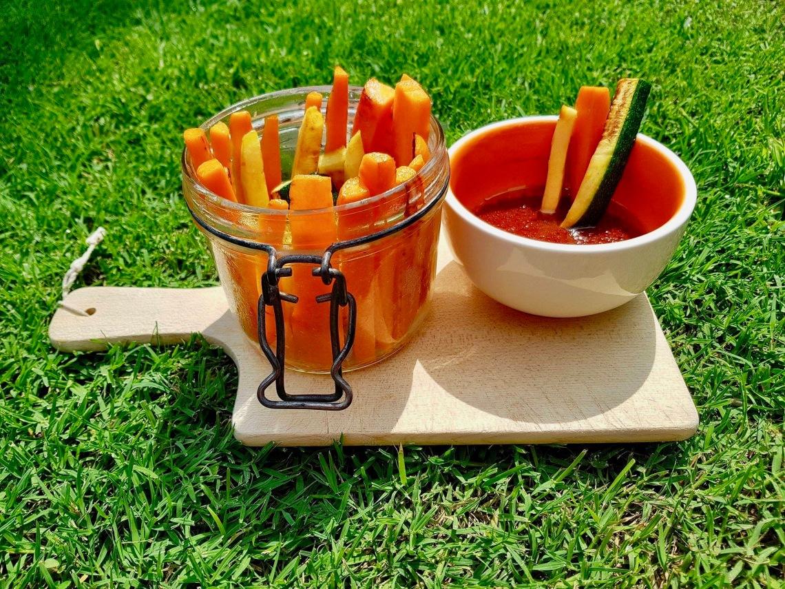 légumes dips tomates face